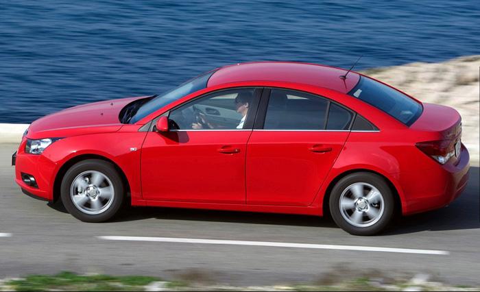 Chevrolet Cruze - современный комфортный автомобиль по демократичным ценам