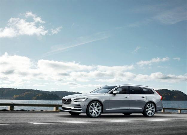 Новый Volvo V90 в  кузове универсал