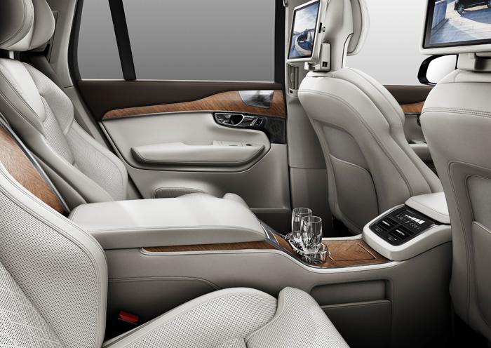 Автомобиль Volvo XC90 в специальной версии Excellence