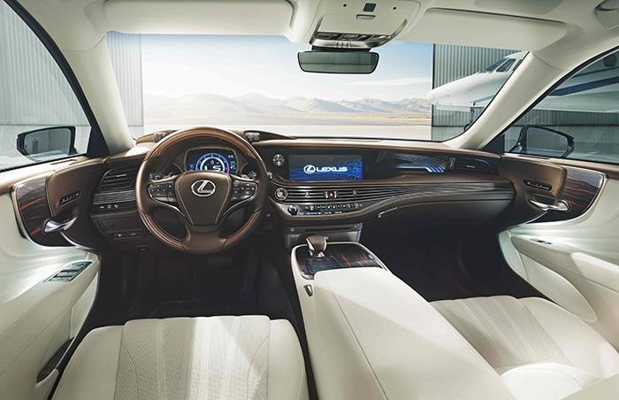 Седан Lexus LS 500 получил награду «Лучший дизайн интерьера»