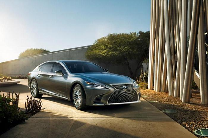 Lexus представил новый седан LS на автосалоне в Женеве