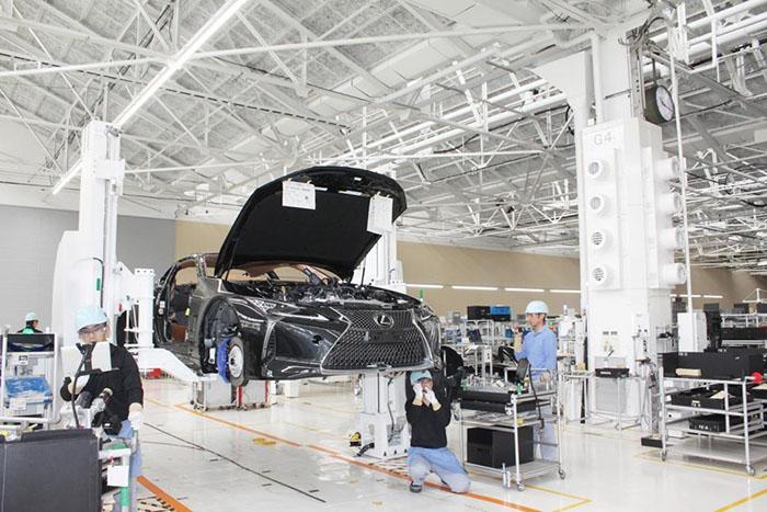 Lexus начинает производство LC