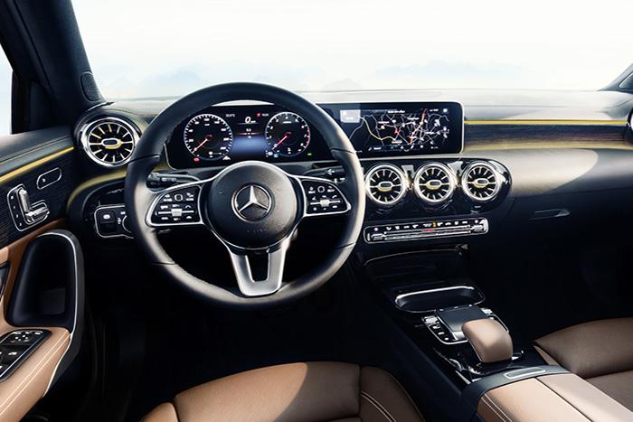 Дизайн интерьера Mercedes-Benz А-Класса 2018